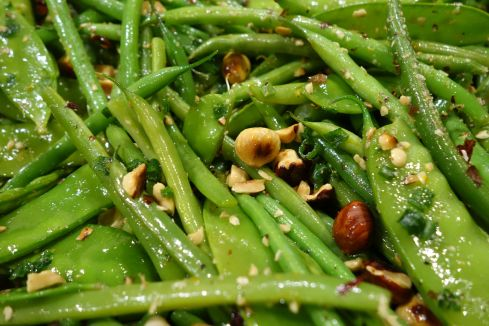 Fresh, green, and delightful , a simple and tasty side dish from my favorite local haunt…Thank you Ottolenghi !!